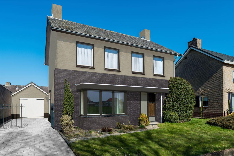Huis te koop burgemeester schoutenstraat 32 5374 hc for Buitentrap te koop