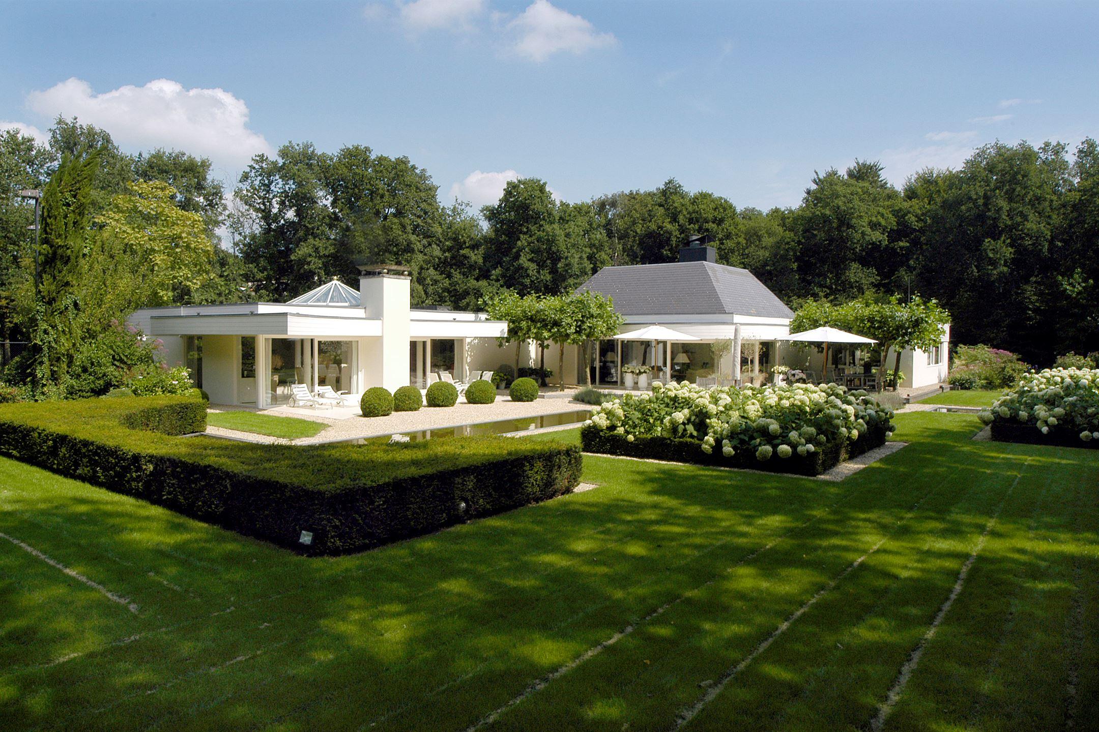 Verkocht van vollenhovenlaan 26 2111 hh aerdenhout funda for Villas pequenas