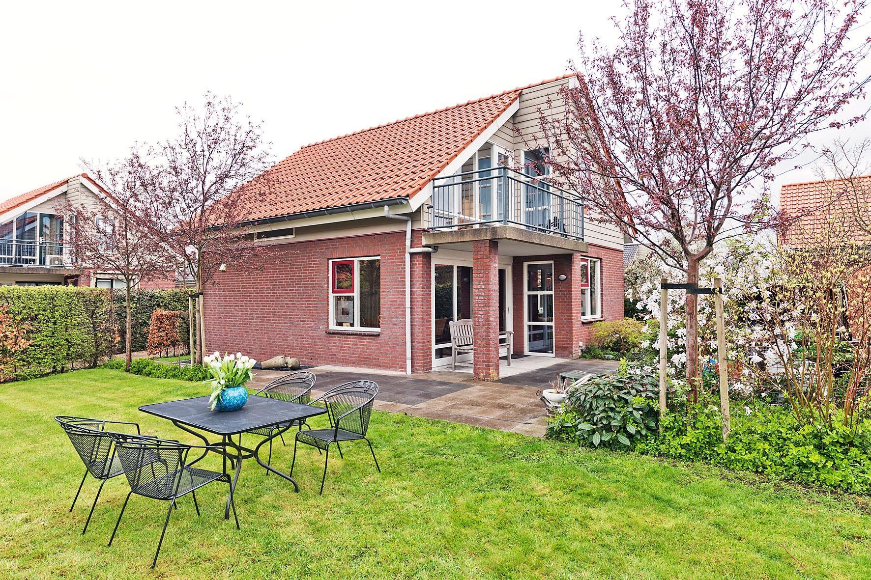 Huis te koop aderweg 8 r73 2371 ah roelofarendsveen funda for Huis zichtbaar maken google streetview