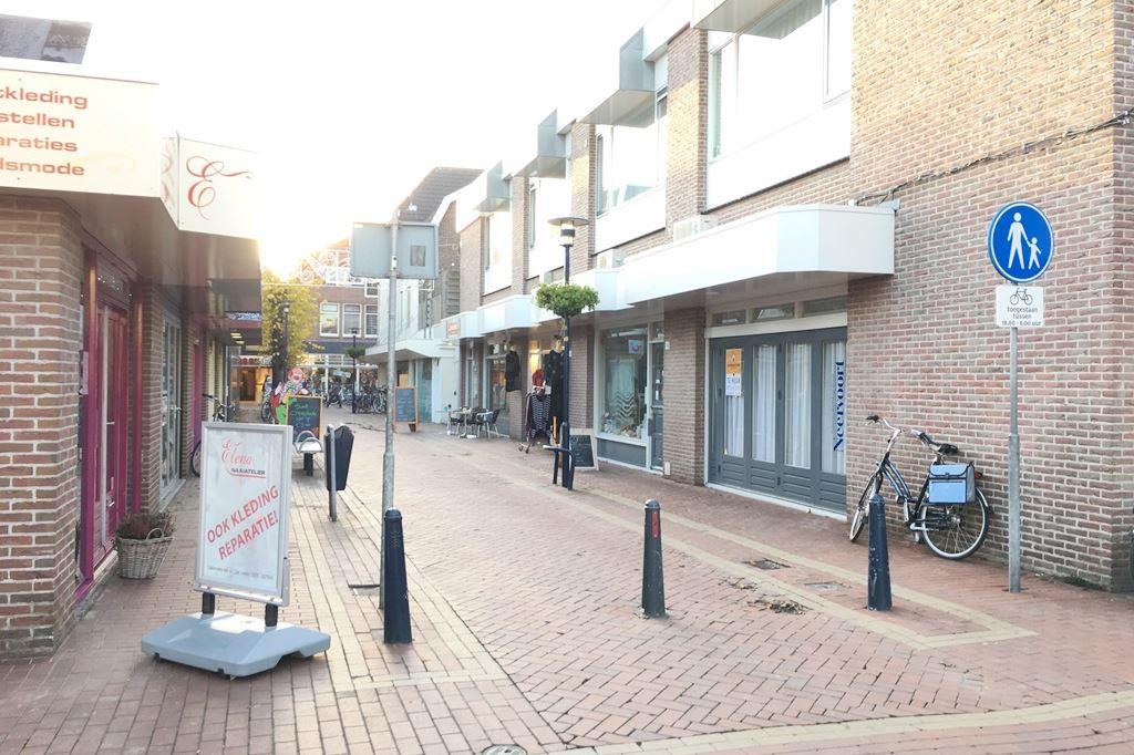 Bekijk foto 2 van Wezenstraat 20