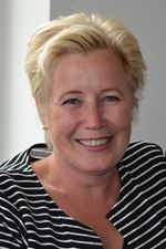 Judith Oost (Real estate agent assistant)
