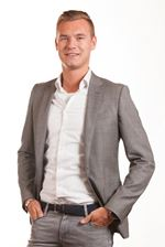 Tom van der Gronden (Real estate agent assistant)