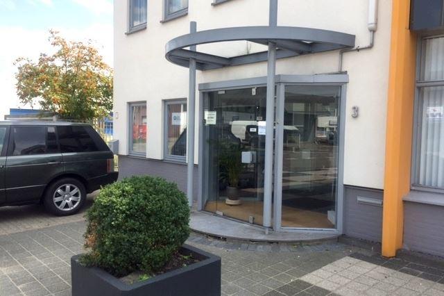 View photo 3 of Ondernemingsweg 3 .