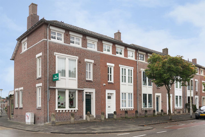 Bekijk foto 2 van Gentiaanstraat 12
