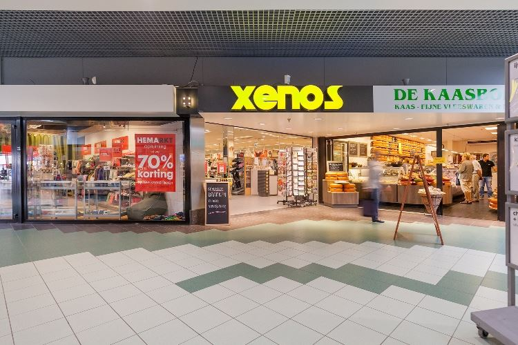 Bekijk foto 4 van Winkelcentrum De Parel