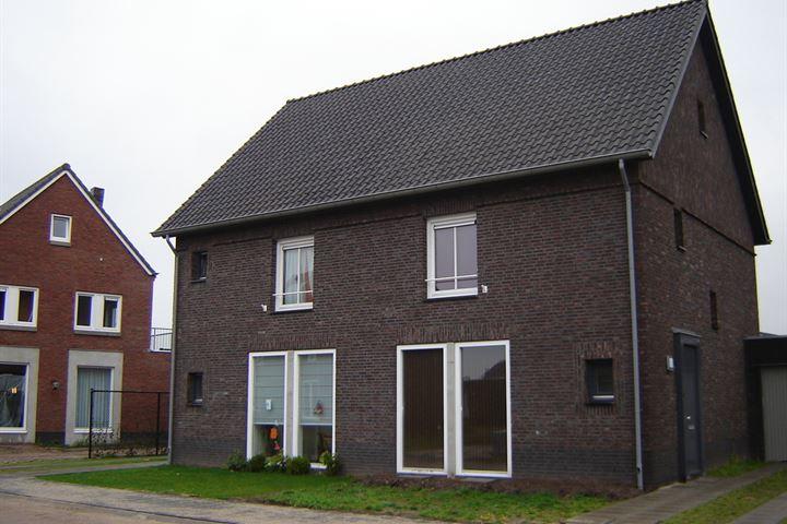 Pieter Belsstraat - Twee-onder-één-kap