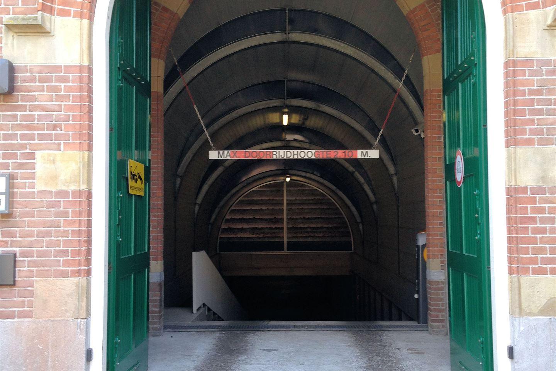Bekijk foto 3 van Oude Zijlvest 29 parkeer