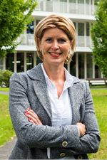 Christa Wiersma (Real estate agent assistant)