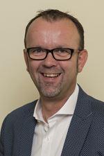 Bart Simons (Office manager)