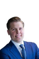 Pepijn Stouthart (Real estate agent assistant)