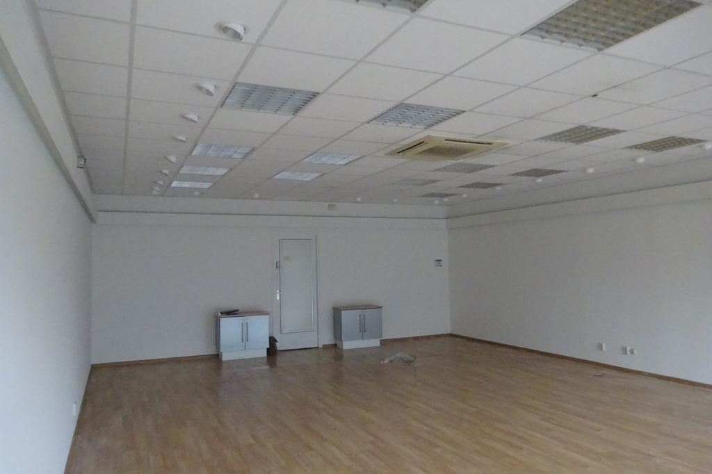 Bekijk foto 3 van Winkelcentrum Woensel 113