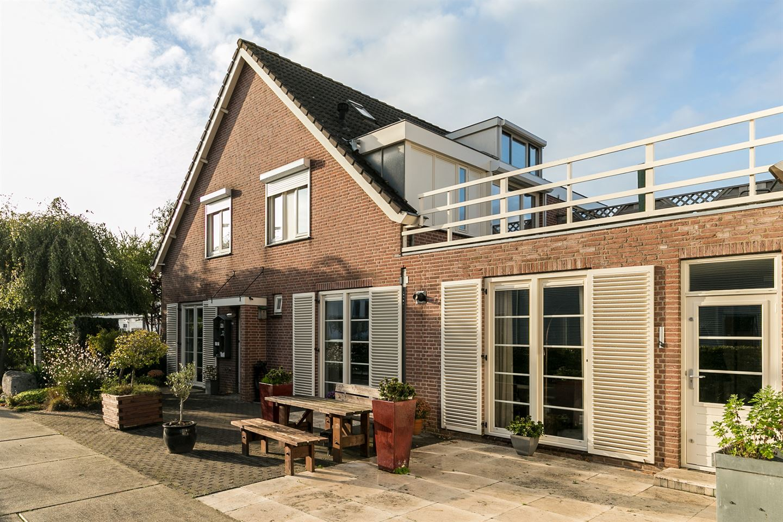 View photo 2 of Christiaan Huygensstraat 5
