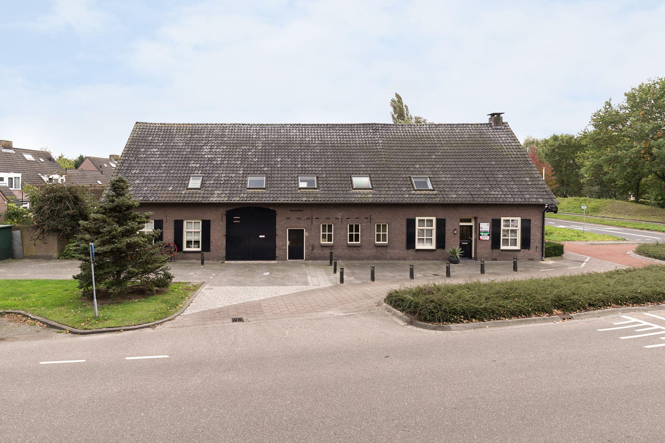 Huis te koop beekstraat 32 5673 na nuenen funda for Huis en tuin nuenen