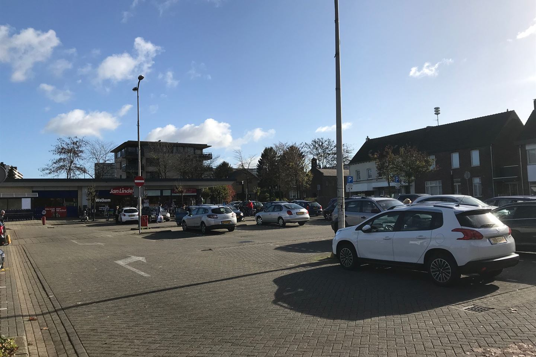 Bekijk foto 4 van Winkelcentrum Giesen Bautsch