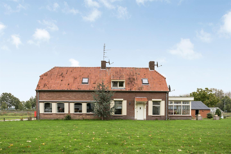 Bekijk foto 2 van Broekstraat 9