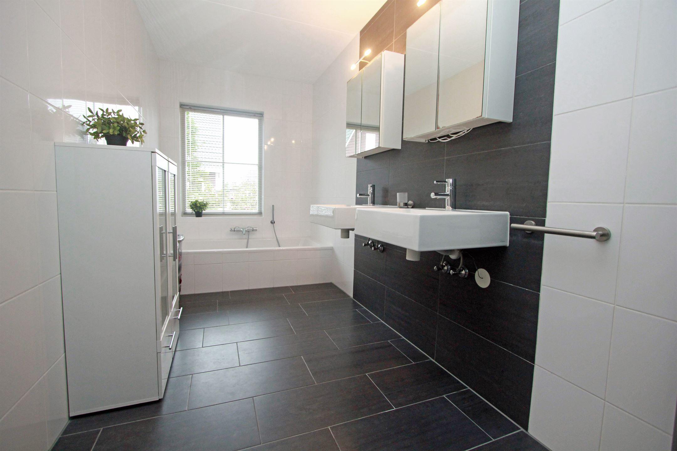 Keuken Design Emmeloord : Verkocht michelangelohage zr emmeloord funda