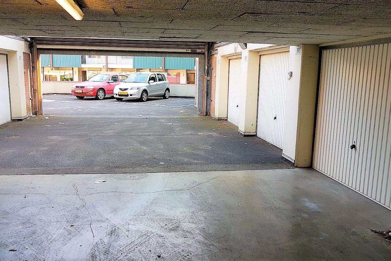 Auto Garage Beverwijk : Verkocht: koude horn 209 1941 kc beverwijk [funda]