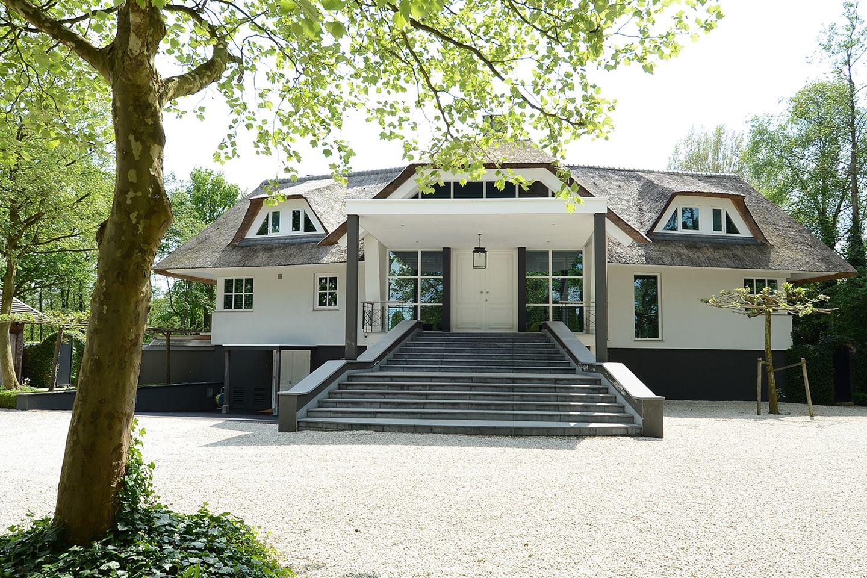View photo 2 of Nieuw-Loosdrechtsedijk 223