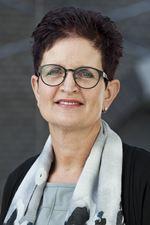 Tineke Dijkstra-Wijnja (Secretaresse)