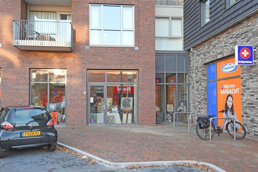 Bekijk foto 3 van Centrumplein 64