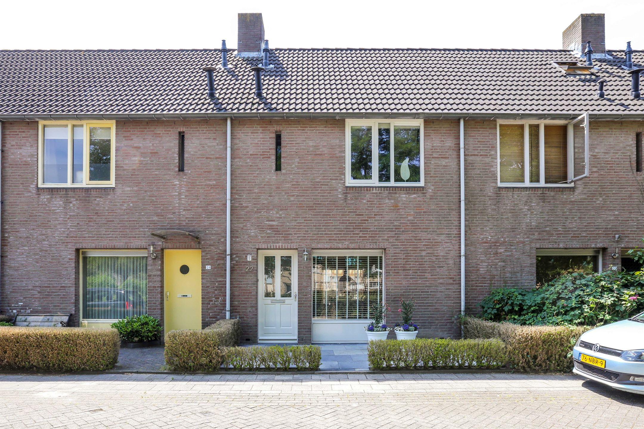 Slaapkamer Meubels Waalwijk : Verkocht wilhelmina druckerstraat pr waalwijk funda