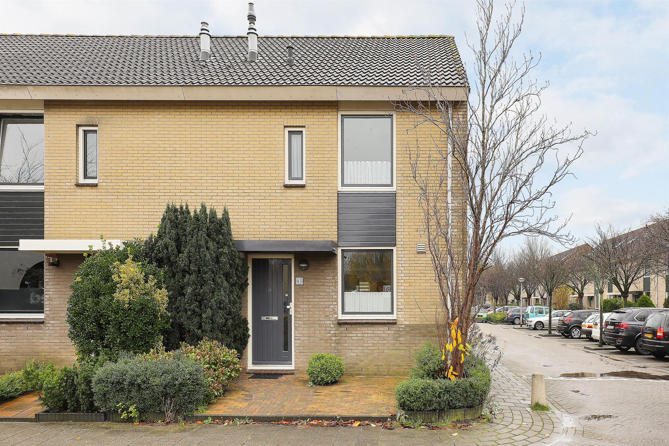 Complete Badkamer Almere : Verkocht markiezenhofstraat tn almere funda