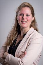 Lindsay van Diepen (Real estate agent assistant)