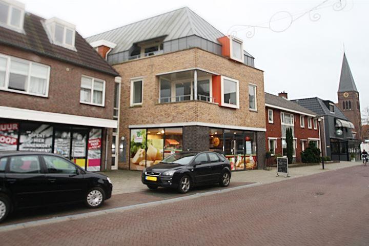 Dorpsstraat 115 A-117, Enter