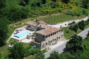 Luxe B&B met zwembad, Cupramontana, Le Marche