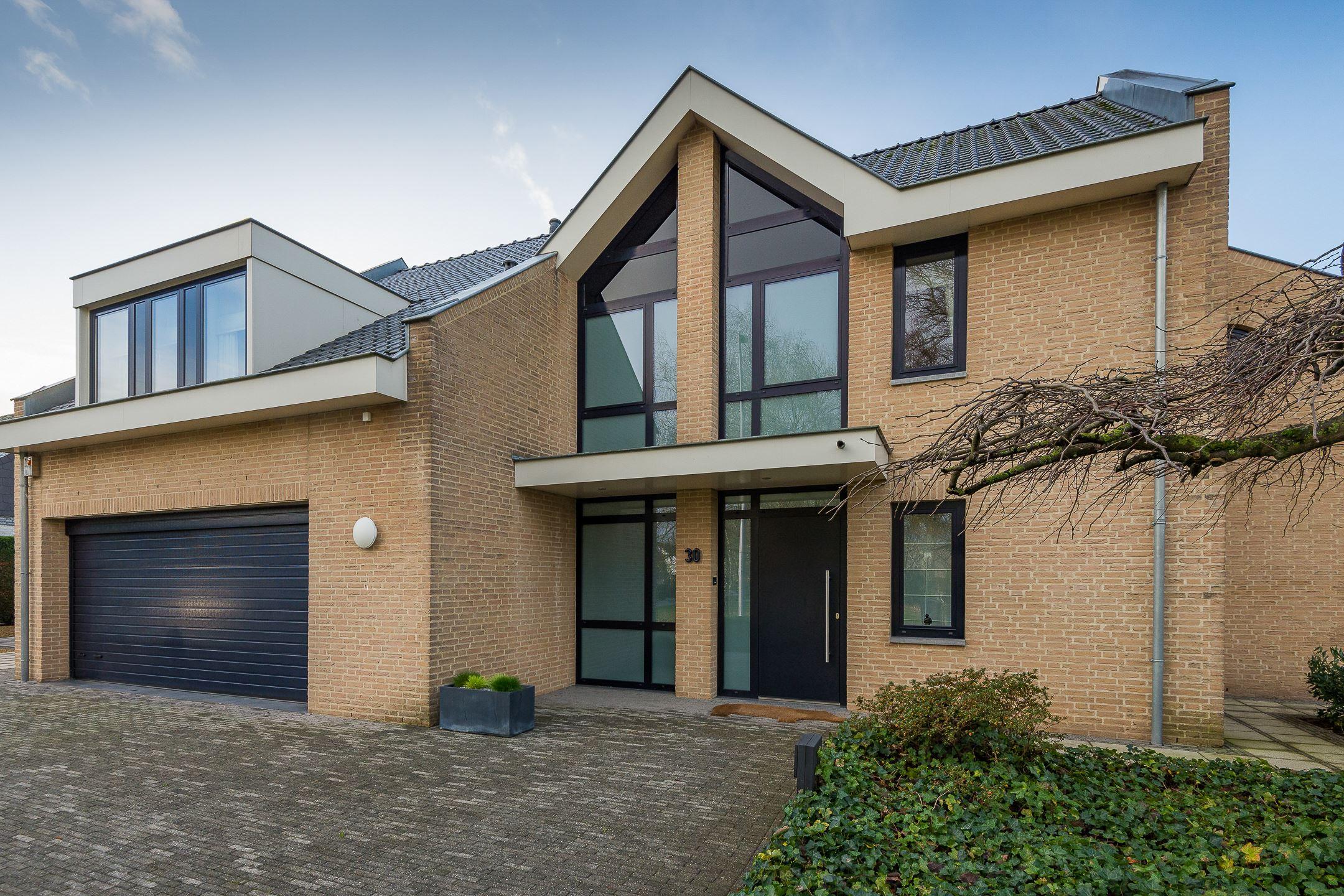 Huis te koop ganzepoel 30 lanaken belgi 6219 maastricht for Huis te koop maastricht