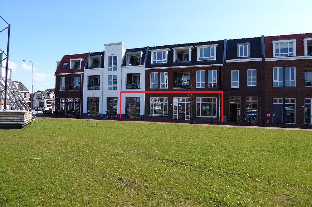 Bekijk foto 1 van Dorpsplein 6 -8