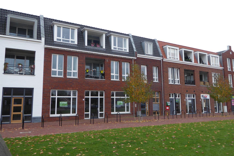 Bekijk foto 2 van Dorpsplein 6 -8