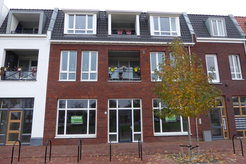 Bekijk foto 3 van Dorpsplein 6 -8