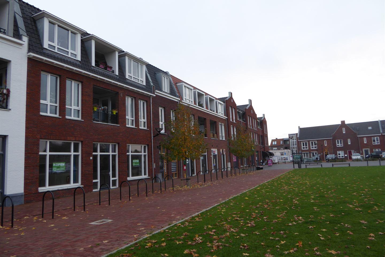 Bekijk foto 4 van Dorpsplein 6 -8