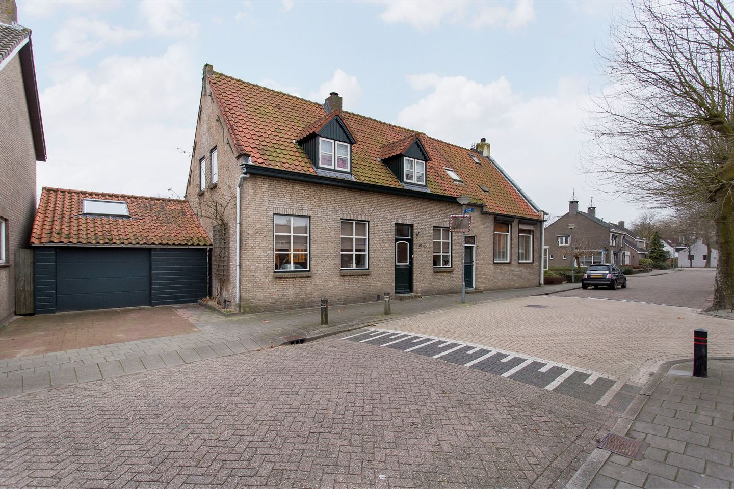 View photo 1 of Markstraat 47