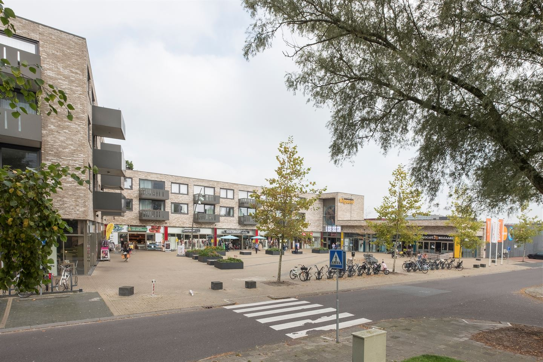 Bekijk foto 3 van Winkelcentrum Bilgaard