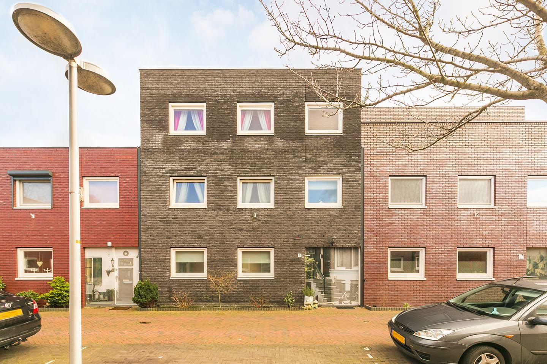 Huis te koop zeedadelhof 8 2492 tw den haag funda for Eengezinswoning den haag te koop