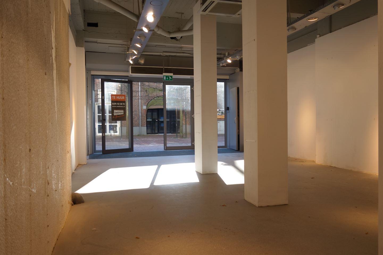 Bekijk foto 4 van Van Berlostraat 2 4