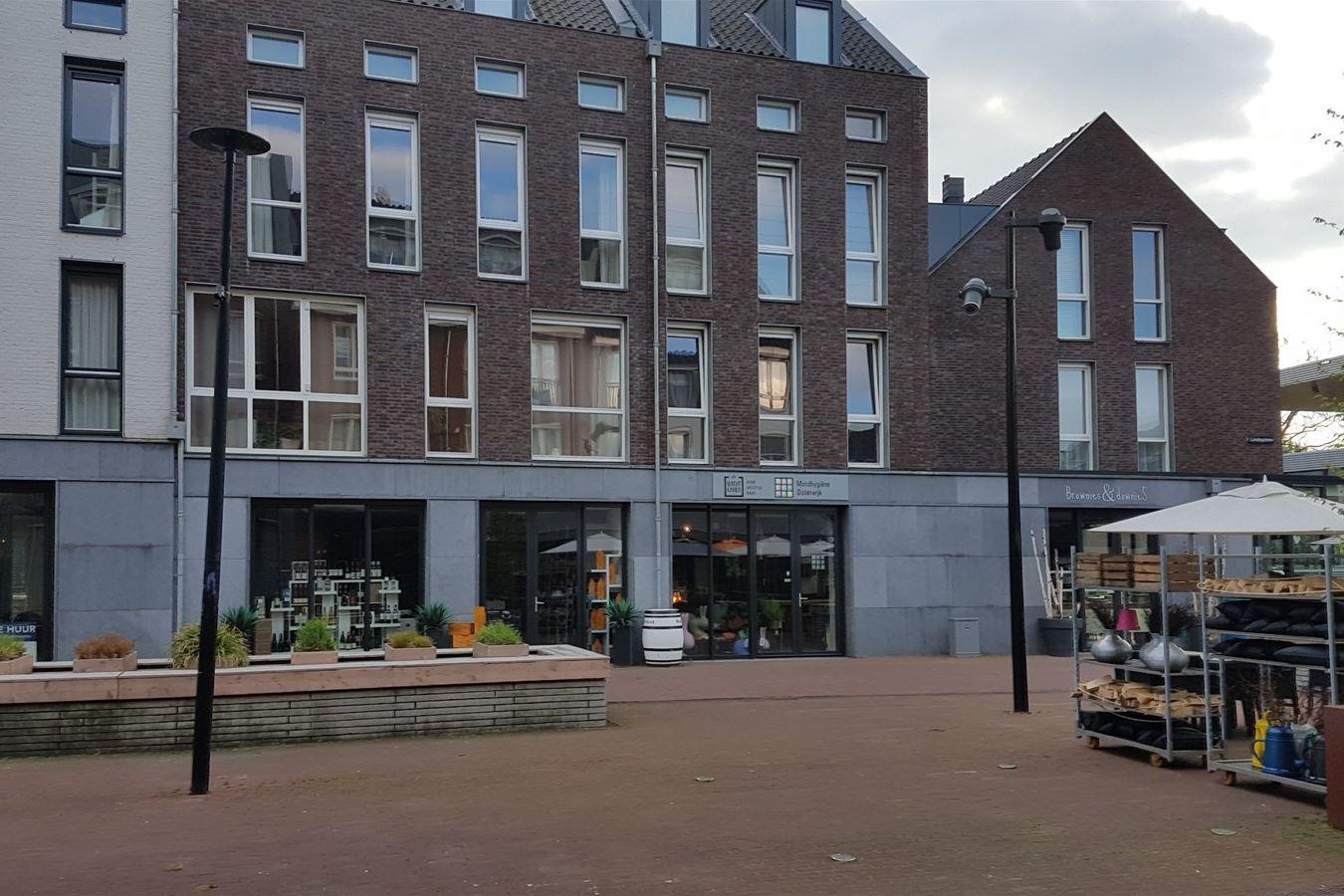 Bekijk foto 2 van Lindeplein 6