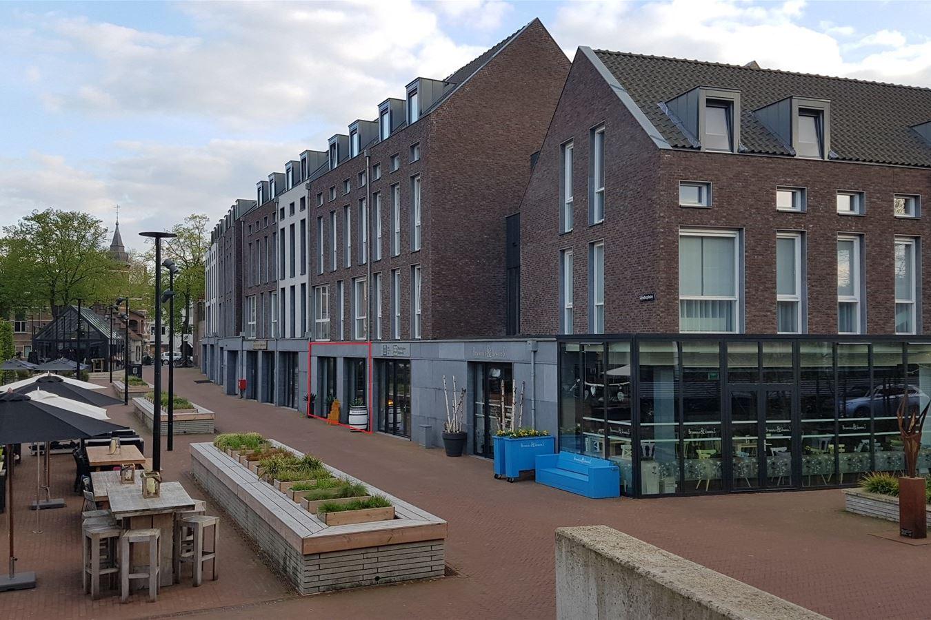 Bekijk foto 4 van Lindeplein 6