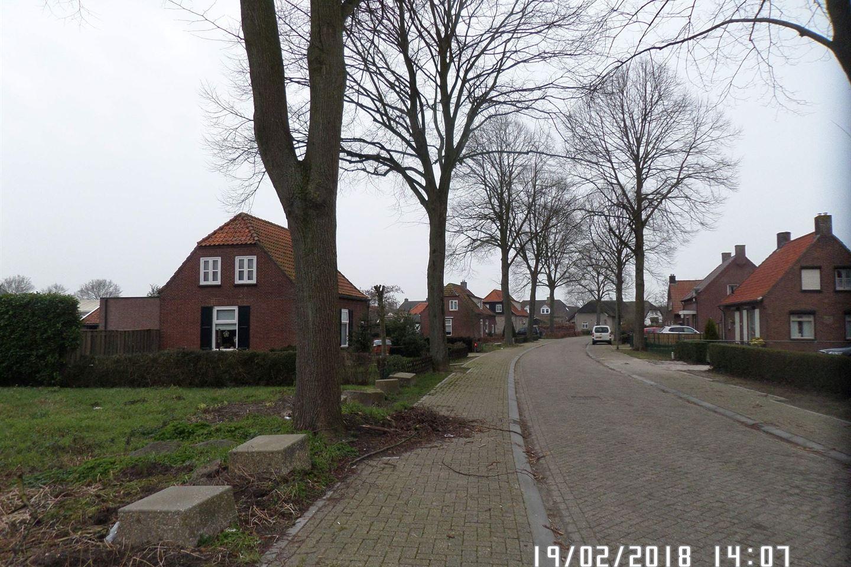 Bekijk foto 2 van Pastoor van Hapertstraat 12