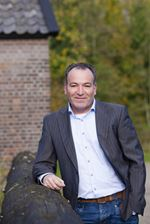 Ard van der Wildt (Office manager)