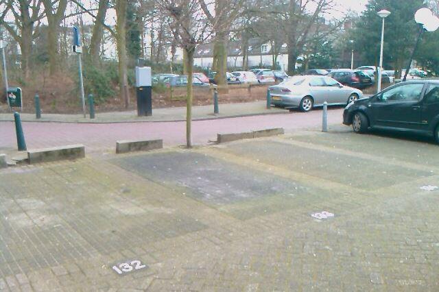 Bekijk foto 2 van Frederikstraat parkeerterrein