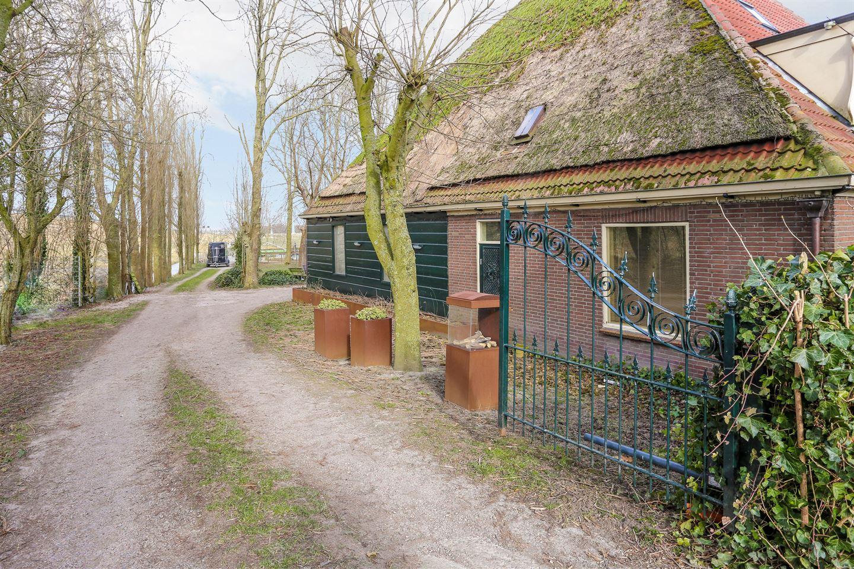 Bekijk foto 2 van Dorpsweg 101