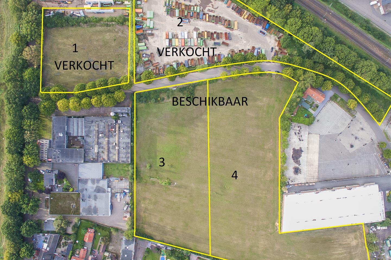 View photo 2 of Hoolstraat 1 *