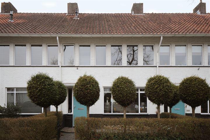 Petrus Dondersstraat 4