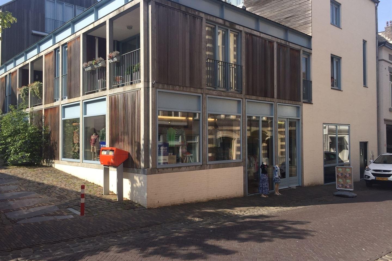 Bekijk foto 1 van Beekstraat 15