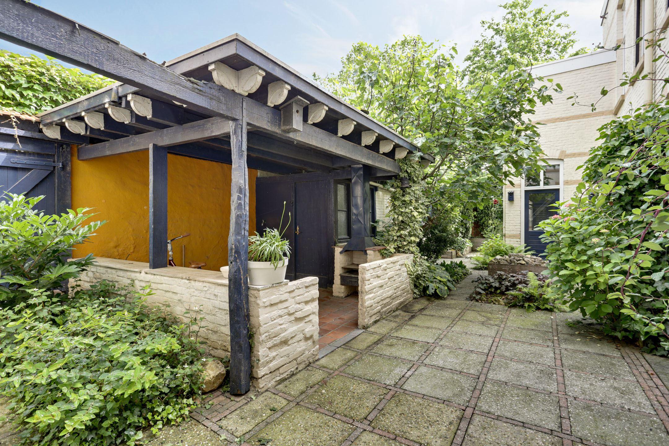 Huis te koop kapellerlaan 73 6045 ab roermond funda for Huis tuin roermond