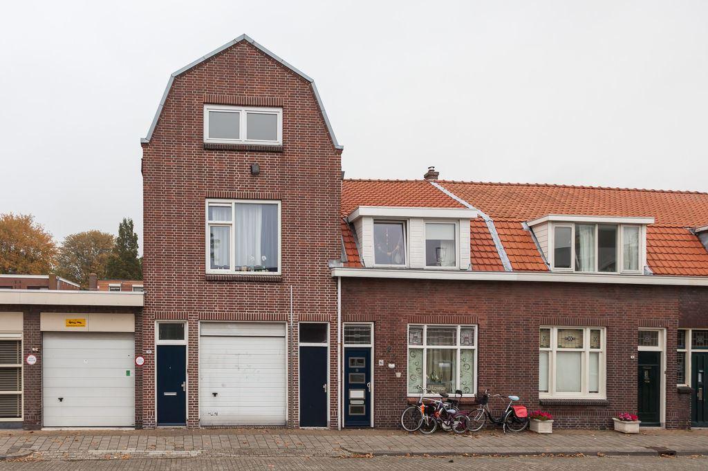 Huis te koop: schepenstraat 10 3131 vw vlaardingen [funda]