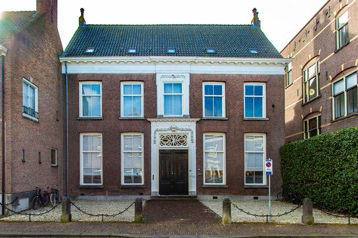 Ambtmanstraat 9